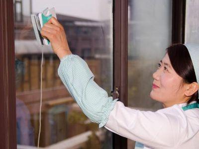 提供无锡玻璃清洗,计时收费安全高效,云智慧家政